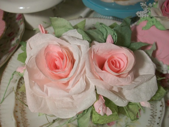 (Misty Morning Roses) Handmade Paper Rose Clip
