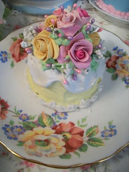 (Lassie) Funky Junk Fake Cake