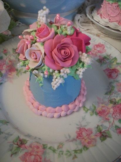 (Lindie) Funky Junk Fake Cake