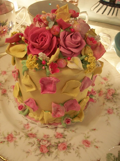 (She Loves Me, She Loves Me Lots) Funky Junk Fake Cake
