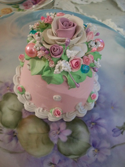 (Minnie May) Funky Junk Fake Cake