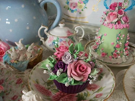 (Springtime Violet) Fake Cupcake