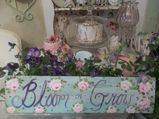 (Grow And Bloom) Handpainted Sign