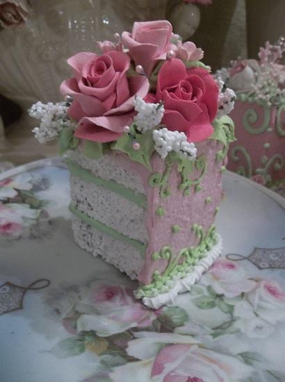 (Hannah Belle) Fake Cake Slice