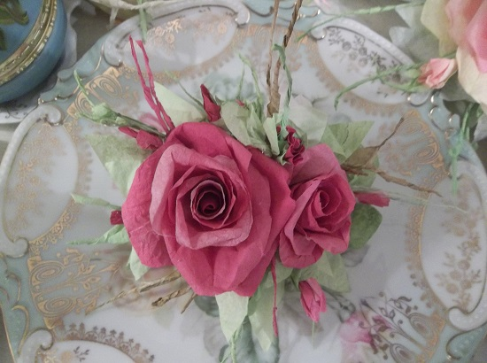 (Danita) Handmade Paper Rose Clip