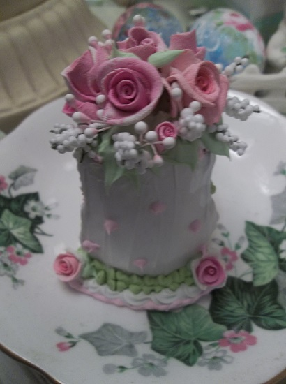 (Cora Bella) Fake Cake Slice