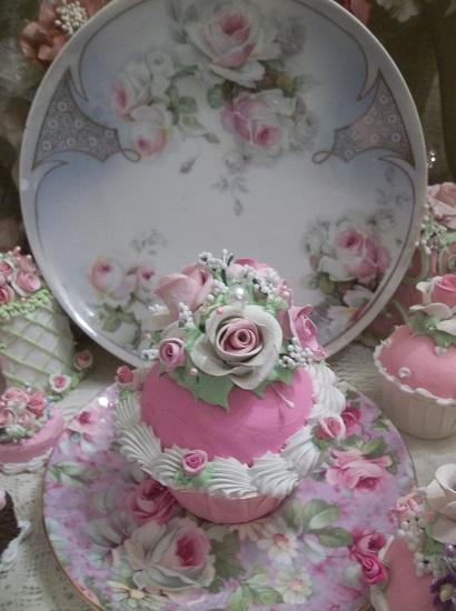 (Carla Rosa) Fake Cupcake