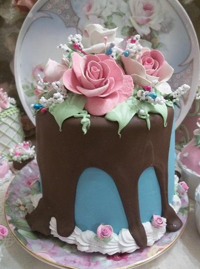 (Tauren Rose) Funky Junk Fake Cake