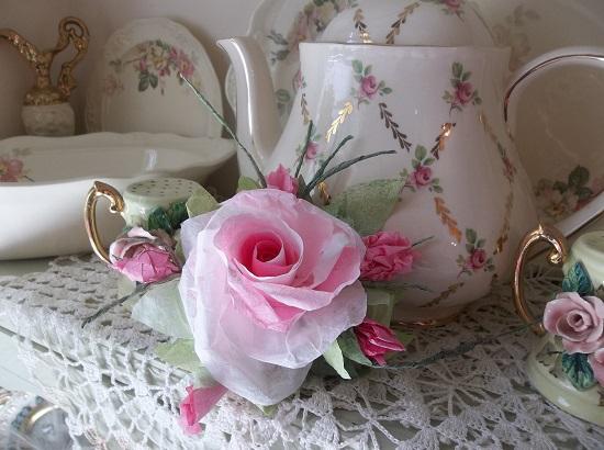 (Gi Gi) Handmade Paper Rose Clip
