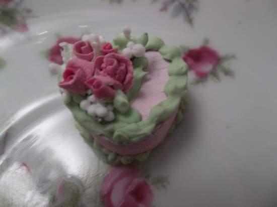 (Wendie) Doll House Sized Fake Cake