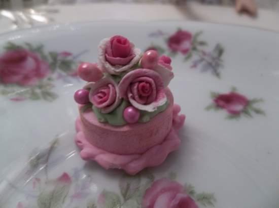 (Tish) Doll House Sized Fake Cake