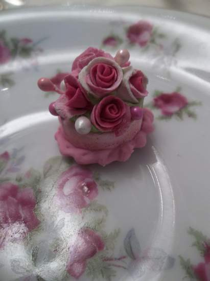(Gidget) Doll House Sized Fake Cake