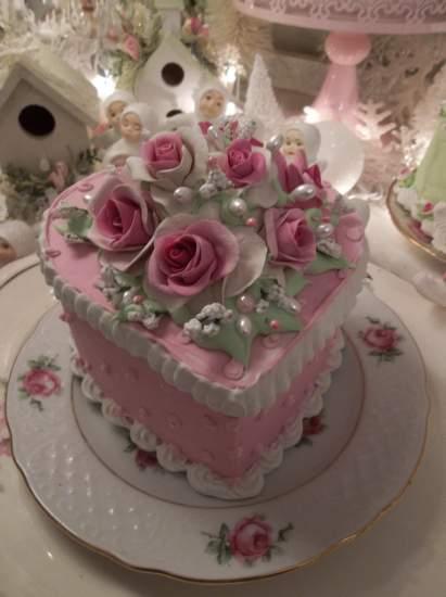 (Lacy Valentine) Fake Cake