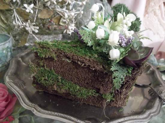 (Succulent Slice) A Piece Of Fake Cakery In Woodland Decor For Indoor Decorating.