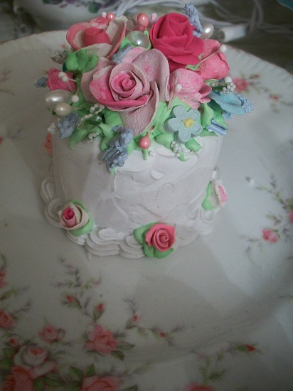 (Lizzie) Funky Junk Fake Cake