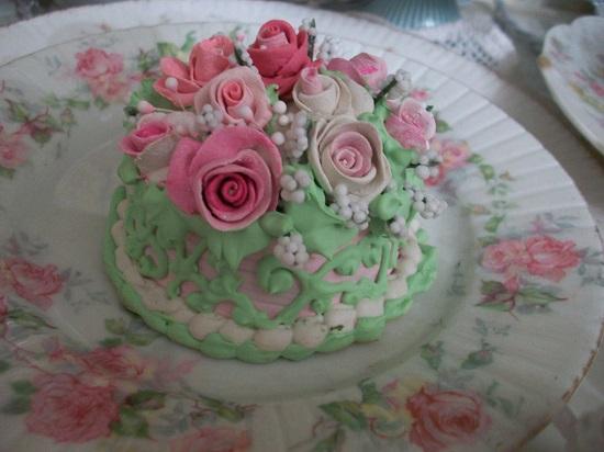 (Heleena) Funky Junk Fake Cake