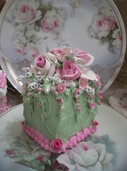 (Garden Party Gina) Fake Cake Slice