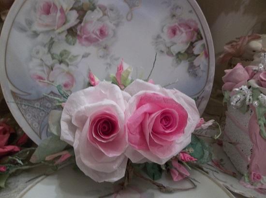(Rhianna) Handmade Paper Rose Clip