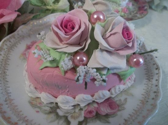 (Pauline) Funky Junk Fake Cake