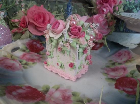 (Dorthina) Fake Cake Slice