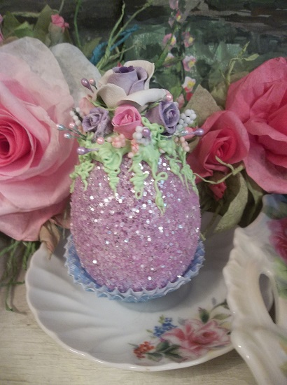 (Gloria Anne) Glittered Easter Egg