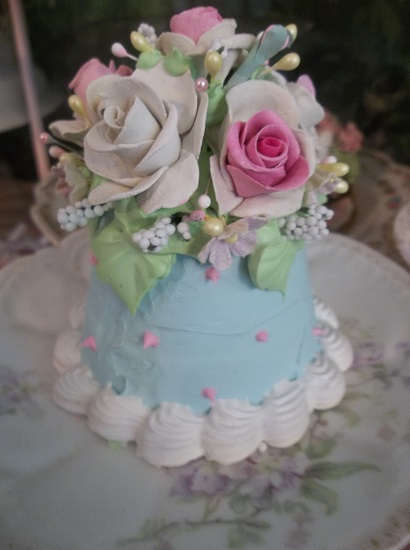 (Sweet Summer's Roses) Funky Junk Fake Cake