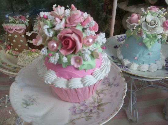 (Taylor Anne) Fake Cupcake