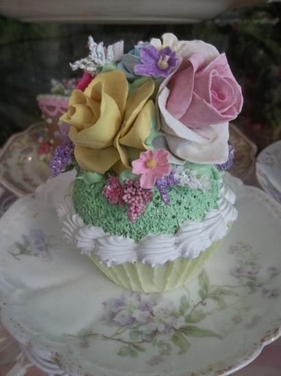 (Kirsten Kaye) Fake Cupcake