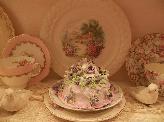 (Pale Lilac Frosted Beauty) Funky Junk Fake Cake