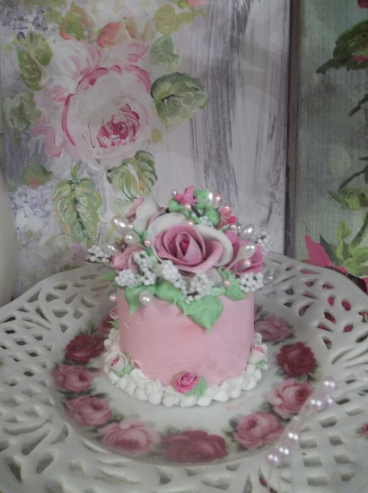 (Once Upon A Rose) Funky Junk Fake Cake