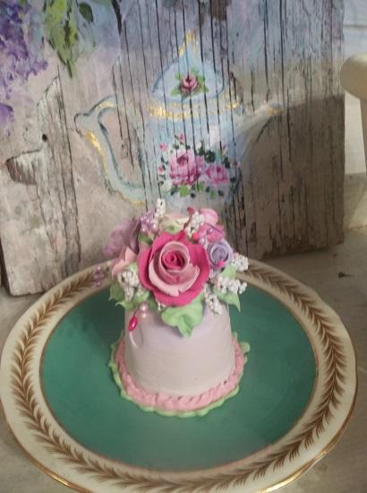 (Cinderella) Funky Junk Fake Cake