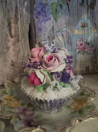 (April May) Fake Cupcake