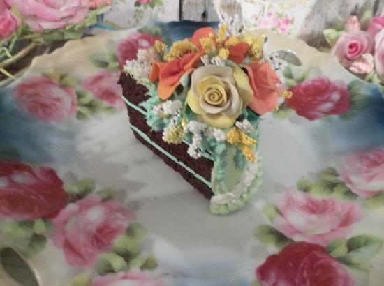 (Autumn Dreams) Fake Cake Slice