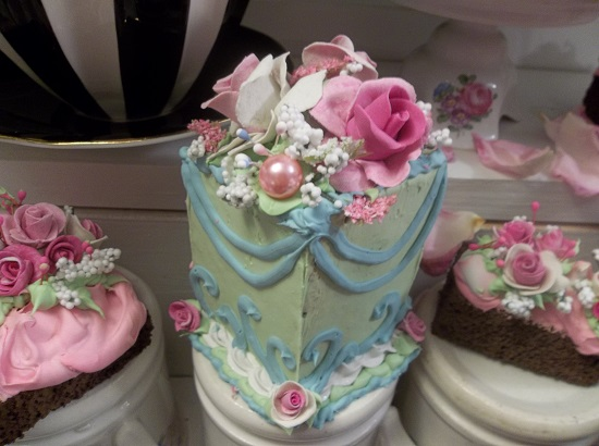 (Estella) Fake Cake Slice