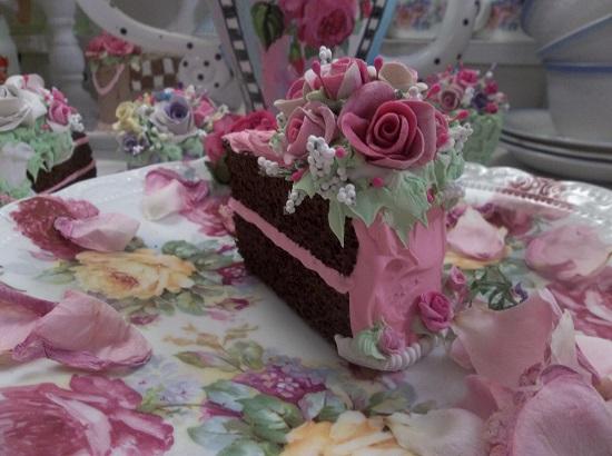 (Sareena) Fake Cake Slice