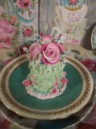 (Fiona) Mini Marvel Fake Coffee Cake