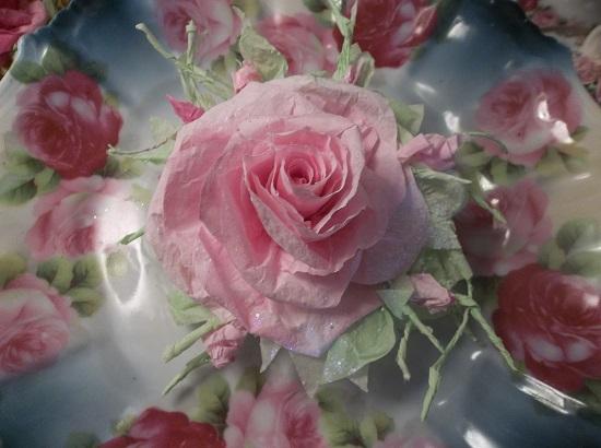 (Ardis) Glittered Handmade Paper Rose Clip
