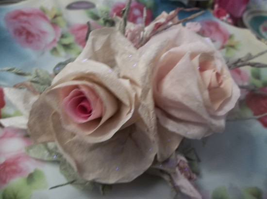 (Julie) Glittered Handmade Paper Rose Clip