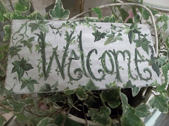 (Welcome Ivy) Handpainted Sign