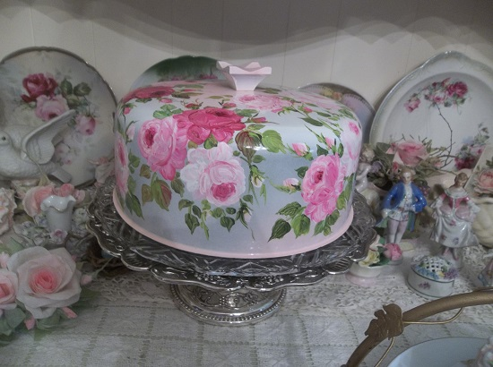 (She Takes The Cake) Compote 3 Piece Set Pedestal