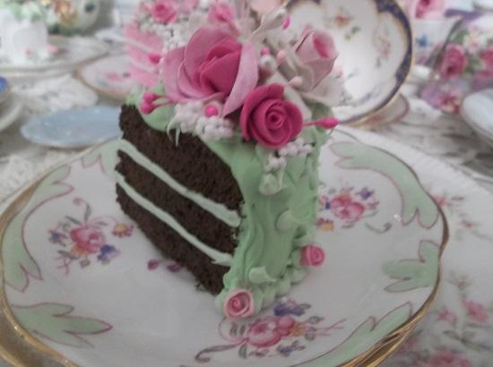 (Holly) Fake Cake Slice