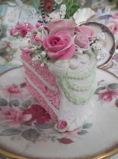 (Mollie) Fake Cake Slice