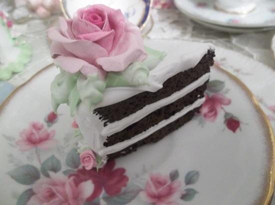 (Marinda) Fake Cake Slice