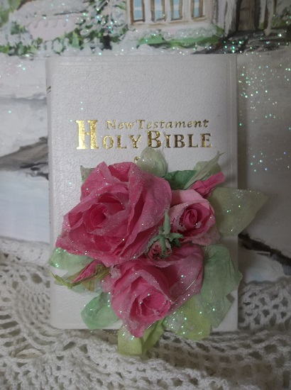 (Janice) Small Decorated New Testament Bible