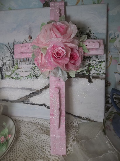 (Camp Joy) Clothespin Cross With Glittered Paper Roses