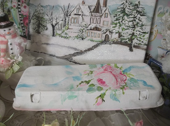 (Shabby Chick Chic) Handpainted Paper Egg Carton