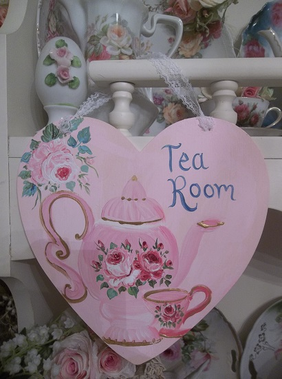(Love'n Tea Room) Handpainted Wood Heart
