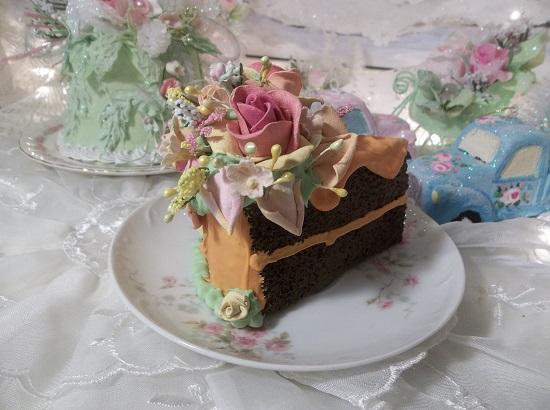 (Petals Flying) Fake Cake Slice