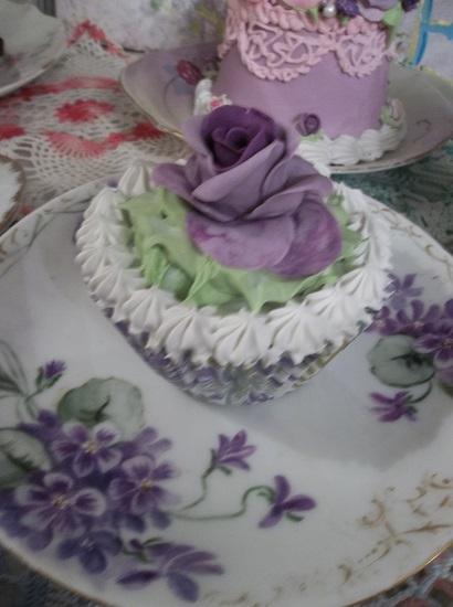 (Violet Ann) Fake Cupcake