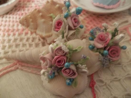 (Eva Shore Girl) Set Of 3 Mini Marvel Seashells
